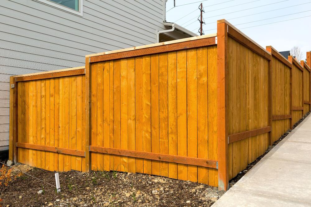 how long does a cedar fence last, types of cedar fences